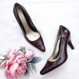 Kenneth Cole Reaction Patent Leather Brown Pumps
